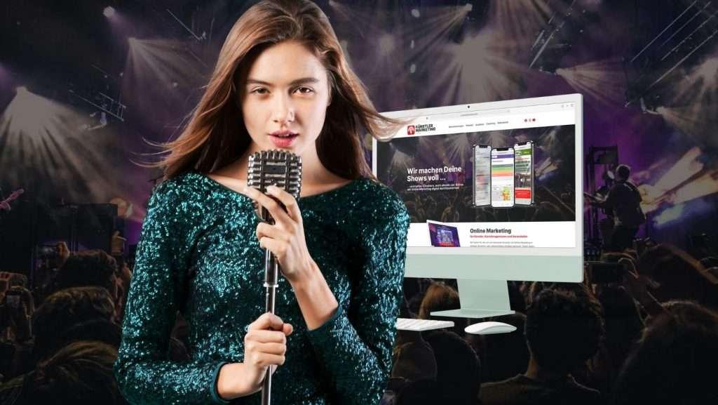 Online Marketing: Sängerin und iMac vor Publikum